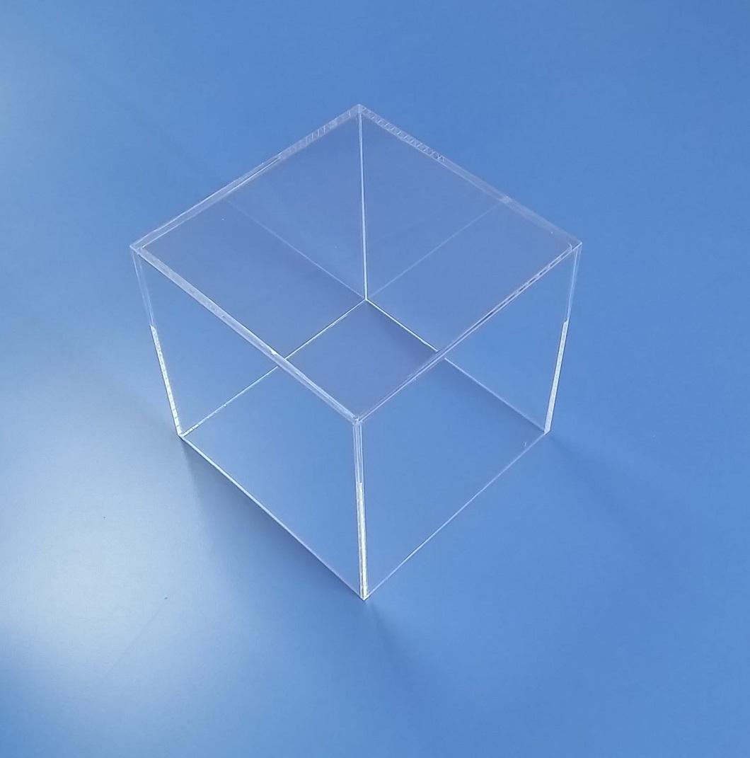Teche e cubi in plexiglass su misura taglio laser for Cubi ikea prezzi
