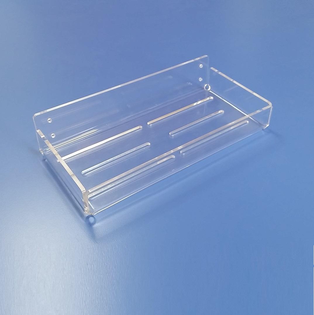 Lavorazione su misura mensole in plexiglass trasparente