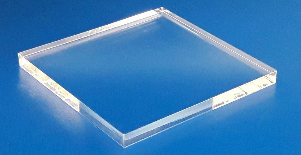 Taglio laser plexiglass trasparente